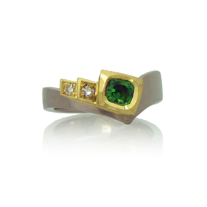 18k Yellow & White gold Ring with Tsavorite & Diamonds <br> - <i ...