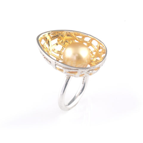'Best,Before',-,3cm,silver,egg,ring,with,south,sea,pearl,silver jewellery, contemporary jewellery, egg ring, pearl ring, egg