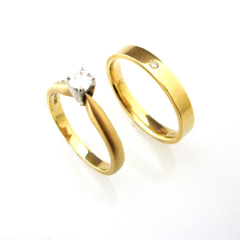 'Bridal,&,Besoke',-,18ct,Yellow,gold,wedding,ring,and,enagement,yellow gold wedding rings, yellow gold diamond ring, ring, bridal jewellery