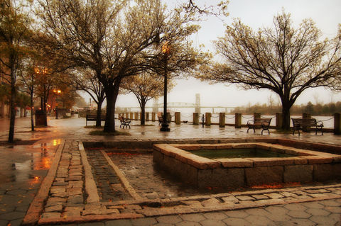Riverfront,Park,in,Downtown,Wilmington,,NC.,Riverfront Park, Cape Fear River, fountain
