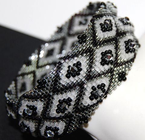 Diamond,Ribbon,Bangle,diamond pattern, bangle, bracelet, handmade jewellery, swarovski crystal, black, white, silver