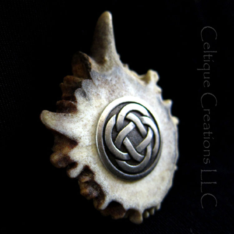Deer Antler Kilt Pin Cap Badge with Silver Celtic Center - product images  of