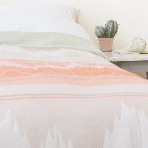 ‹ISH.,COLLECTION›,BLANKETS,blanket, ish, decke, plaid, verlauf, tagesdecke, grafisch, merino, wool, wolle, baumwolle, cotton, gray, orange, copper, grau, kupfer