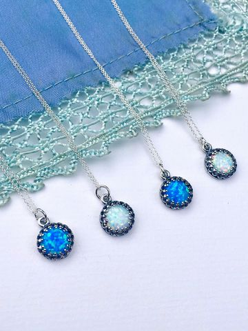 Ocean,Tide,Dainty,Silver,&,Opal,Necklace