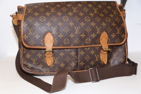 Louis,Vuitton,Messenger,Louis Vuitton, Messenger, handbags, unisex, consignment