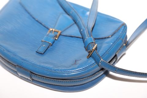 Louis,Vuitton,Epi,Messenger,louis vuitton, Messenger, handbags, unisex, consignment