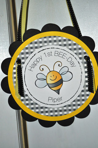 Birthday,Party,Door,Sign,-,Bumble,Bee,Theme,Happy,BEE,Day,1st birthday, personalized, happy birthday, party decorations, door sign, party sign, welcome sign