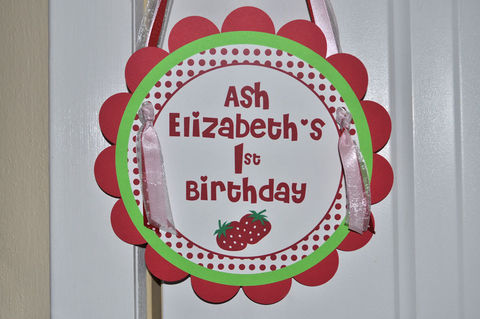 Strawberry,Birthday,Party,Sign,-,Berry,Sweet,Girls,Decorations,1st birthday, personalized, happy birthday, party decorations, door sign, party sign, welcome sign