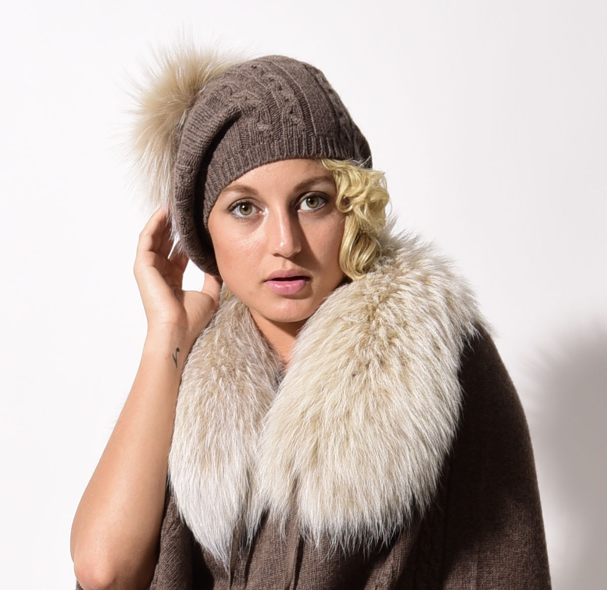 Cable Beret with Fur Puff - Legno - product images  of