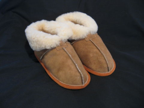 Stoney,Sheepskin,Slippers,Womens,Small,Size,5,and,6,slippers, sheepskin slippers, womens slippers, sheepskin, sheepskin footwear, leather slippers, beige sheepskin, BrushCreekWoolWorks, Brush Creek Wool Works
