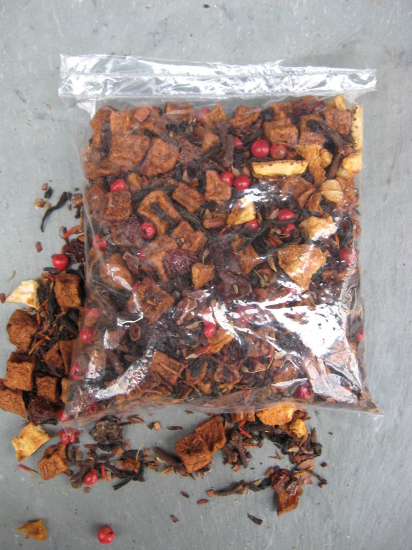 Bonfire Flavored Loose Black Tea, Camellia sinensis - product images  of