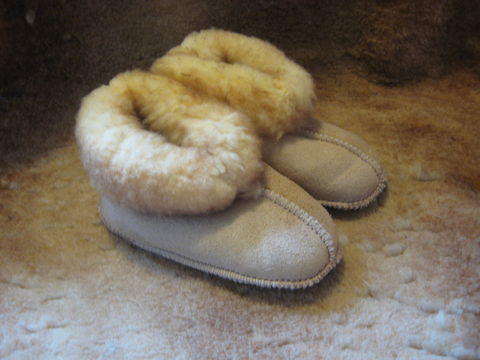 Sheepskin,Slippers,,Babies,Extra,Large,,,Stoney,Beige,sheepskin, slippers, sheepskin slippers,stoney beige slippers, babies slppers, extra large, suede slippers, fleece, leather,  beige, Brush Creek Wool Works, BrushCreekWoolWorks