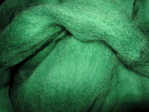 Moss,Dyed,New,Zealand,Carded,Wool,Sliver,wool ,roving, wool roving , Corriedale roving, Ashford sliver, Ashford roving,spinning wool, spinning roving, felting wool,  moss green wool roving, green wool roving, needle felting wool,  , BrushCreekWoolWorks, Brush Creek Wool Works