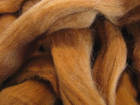 Toffee,New,Zealand,Dyed,Wool,Roving,spinning,roving,taffy,brown, toffee, sliver,carded,weaving,yarn,scoured,wool, BrushCreekWoolWorks,  Brush Creek Wool Works
