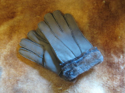 Brown,Suede,Sheepskin,Gloves,gloves, sheepskin,sheepskin gloves, suede, gloves suede, brown, brown gloves,  shearling, BrushCreekWoolWorks,  BrushCreekWoolWorks