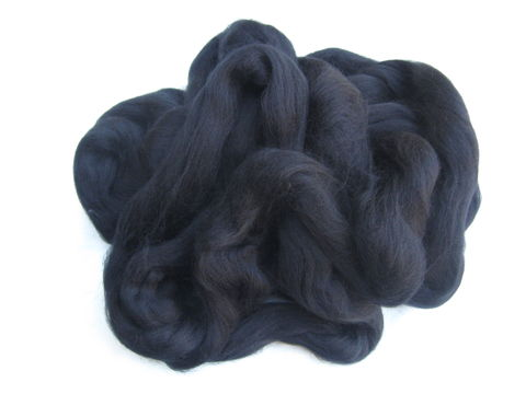 Black,Dyed,Wool,Carded,Roving,wool, roving,sliver ,dyed black, felting ,fiber,dyed, wool roving , dyed roving , black wool roving, spinning wool , felting wool , Corriedale wool, Corriedale roving, BrushCreekWoolWorks, Brush Creek Wool Works