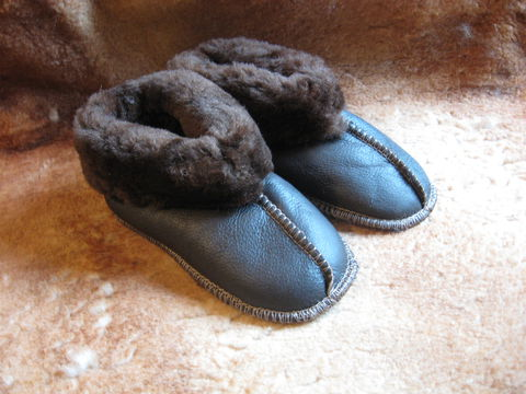 Sheepskin,Slippers,,Dark,Brown,Nappa,,Kids,Small,sheepskin, slippers, brown, small, kids, nappa, fleece, leather, clothing, Brush Creek Wool Works, BrushCreekWoolWork