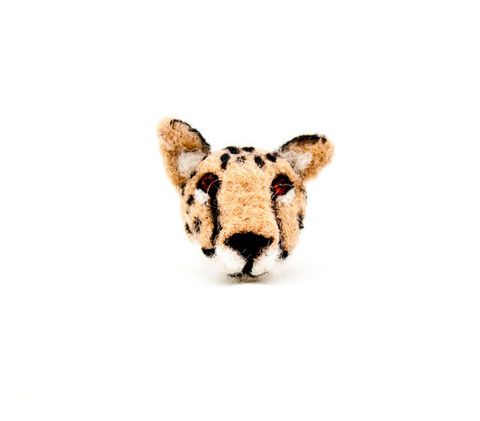 Needle,felted,cheetah,brooch,handmade,jewelry,Jewelry,Brooch,Fiber,cheetah pin,cheetah brooch,animal brooch,felted cheetah,Cat jewelry,Cat pin,black,Cat brooch,Cat,Cheetah jewelry,Felt cat brooch,wool roving,pin back