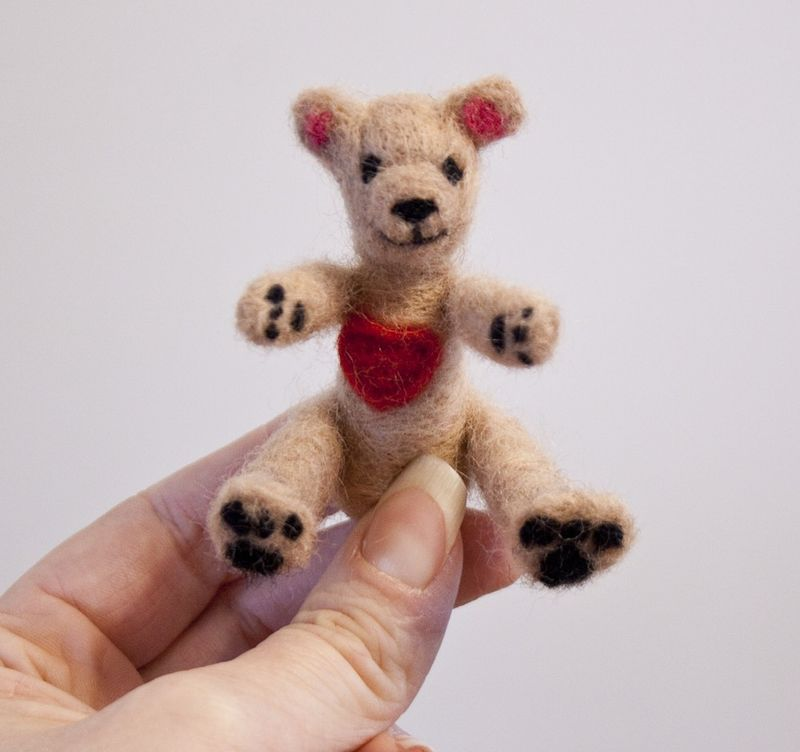 Teddy bear felted miniature with heart - product images  of