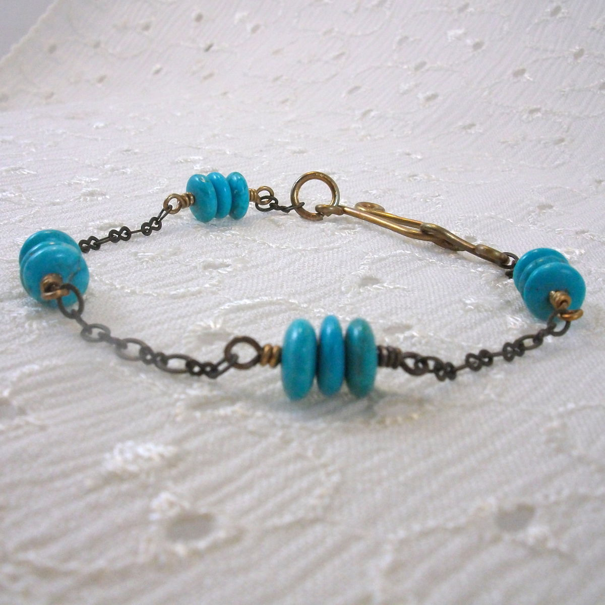 Brass Bracelet with Blue Magnesite Rondel Beads - product image