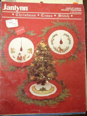 Janlynn,Christmas,Cross,Stitch,12,in,mini,Tree,Skirts, Christmas Cross Stitch, 12 inch,  mini Tree Skirts,counted cross stitch,needlework,needlepoint,needlearts,kg krafts,, crafts