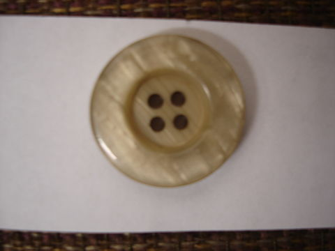 Tan,Four,Hole,Buttons,50,pc,package,buttons,pearlized,four holed button,sewing,round button,kg krafts,home decor