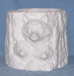 Wolf,Planter,Ceramic,Bisque,wolf,planter,ceramic bisque,bisque,ready to paint,kg krafts,painting surface