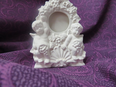 Mini,Clock,with,Cherubs,Unpainted,Ceramic,Bisque,ceramic bisque,ready to paint,ceramics, bisque,kg krafts,cherub clock