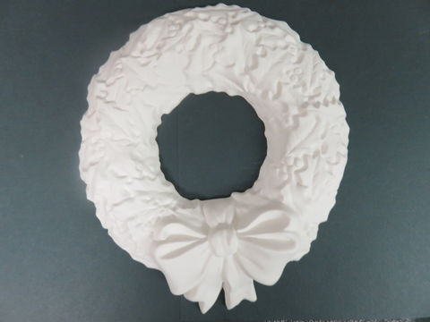 Christmas,Holly,Wreath,Unfinished,Ceramic,Bisque,ready,to,paint,Christmas Holly Wreath,ceramic bisque,ready to paint,ceramics, bisque,kg krafts