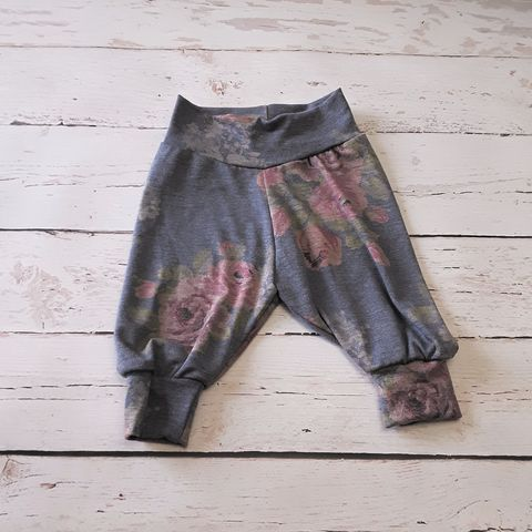 Classic,Relaxed,Fit,Cuffed,Pants-Denim,Blue,Floral,Print,Leggings, pants, puppy