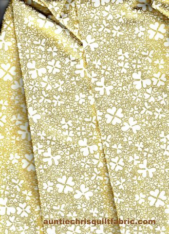 Cotton,Quilt,Fabric,Shamrocks,Irish,Mist,Pot,Of,Gold,White,Metallic,quilt fabric,cotton material,auntie chris quilt,sewing,crafts,quilting,online fabric,sale fabric