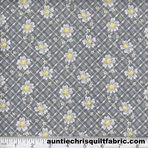 Cotton,Quilt,Fabric,Quilters,Calico,Flowers,307,Gray,Floral,,quilt backing, dresses, quilt fabric,cotton material,auntie chris quilt,sewing,crafts,quilting,online fabric,sale fabric