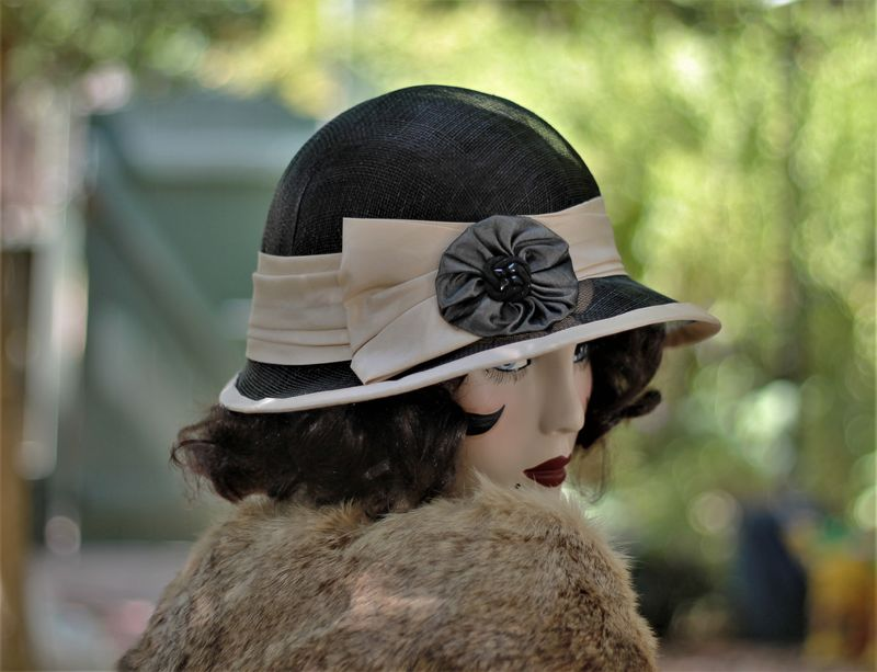 Fancy 20s Flapper Vintage Style Sinamay Hat in Black - product image