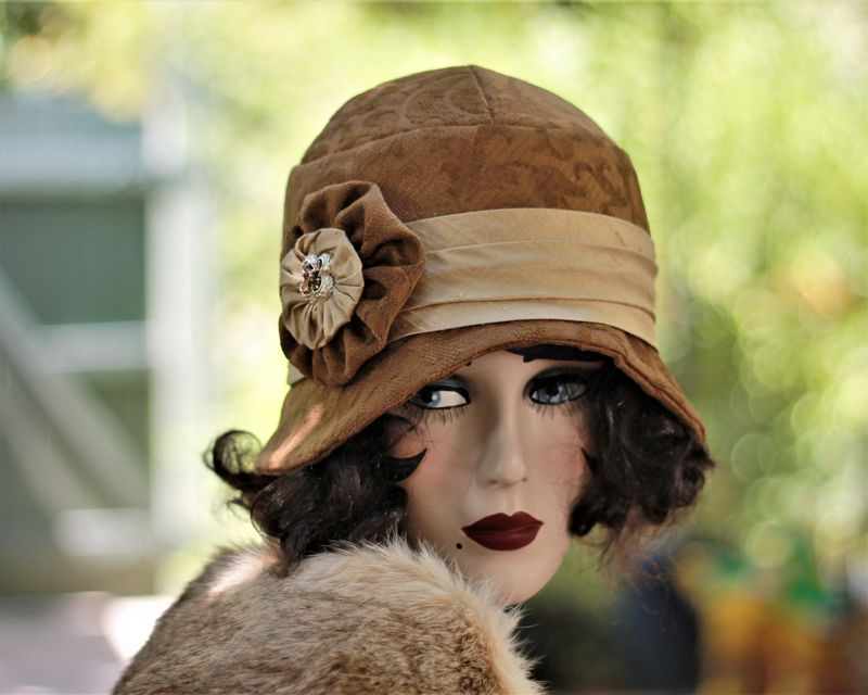 Fall Winter Warm Brown Hat in 20s Great Gatsby Style - product image