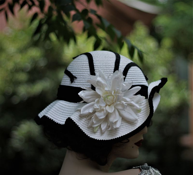 Victorain Vintage Style Tea Party Hat Flowers Lace - product image