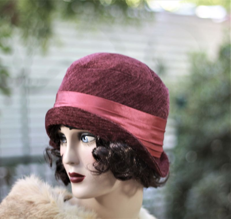 Fall Winter Warm Wool Hat in 20s Cloche Flapper Style - product image