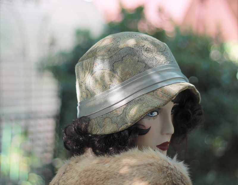 1920's Vintage Style Cloche Hat for Fall and Winter - product image