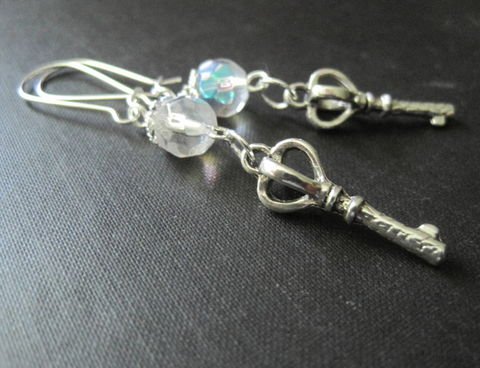 Royal,Crown,Key,Dangle,Earrings,Royal Crown Key Dangle Earrings, key earrings, 3-d key, crystal, royal, vamps jewelry, handmade jewelry