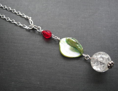 Green,Mother,of,Pearl,Shell,Necklace,Green Mother of Pearl, Shell Necklace, mother of pearl, green, red, romantic necklace, handmade jewelry, christmas colors,