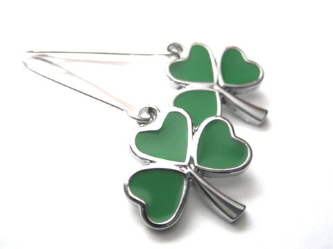 Lucky,Clover,Dangle,Earrings,Lucky Clover Dangle Earrings, irish jewelry, celtic earrings, green clover, shamrock, handmade jewelry