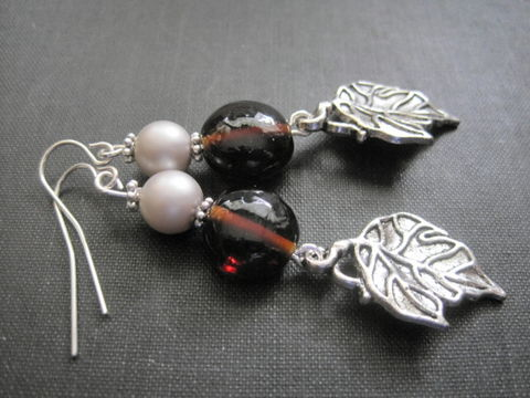 Pearls,and,Leaves,Metal,Dangle,Earrings,Autumn,Colors,Pearls and Leaves Metal Dangle Earrings Autumn Colors
