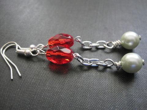 Festive,Green,Pearls,Red,Glass,Chain,Dangle,Earrings,Festive Green Pearls Red Glass Chain Dangle Earrings, handmade