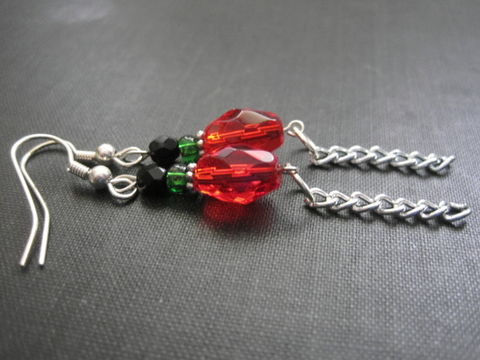 Red,Black,Green,Glass,Bead,Fringe,Chain,Dangle,Earrings,Red Black Green Glass Bead Fringe Chain Dangle Earrings, handmade