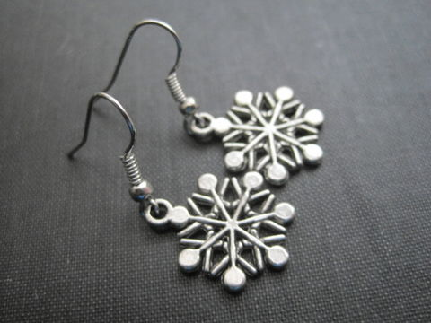 Winter,Snowflake,Dangle,Earrings,winter, snowflake, dangle earrings, winter snowflake dangle earrings, silver, vamps jewelry