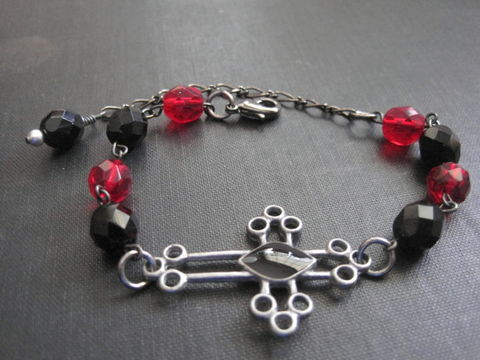 Gothic,Cross,Gunmetal,Bracelet,Black,Red,Glass,Gothic Cross Gunmetal Bracelet Black Red Glass, handmade