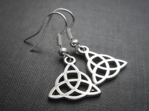 Triquetra,Celtic,Dangle,Earrings,Triquetra Celtic Dangle Earrings