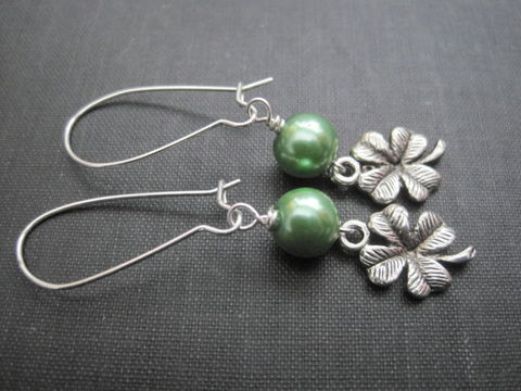 Green,Pearl,Lucky,Clover,Dangle,Earrings,,Shamrock,Earrings,green clover, shamrock, lucky clover, 4 leaf clover, handmade jewelry, earrings, silver, st. patrick's day, green jewelry, spring, luck of the Irish, vamps jewelry