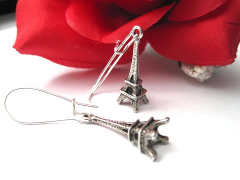 Eiffel,Tower,3-D,Dangle,Earrings,,Paris,Kidney,Wire,Earrings,eiffel tower, handmade jewelry, earrings, 3-d, eiffel tower 3D, paris, france, kidney wire, romance, city of love, antique silver, charm earrings, silver plated, vamps jewelry, romantic jewelry, eiffel tower jewelry, paris jewelry