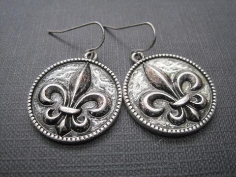 Antique,Fleur,De,Lis,Disk,Dangle,Earrings,Antique Fleur De Lis Disk Drop Dangle Earrings