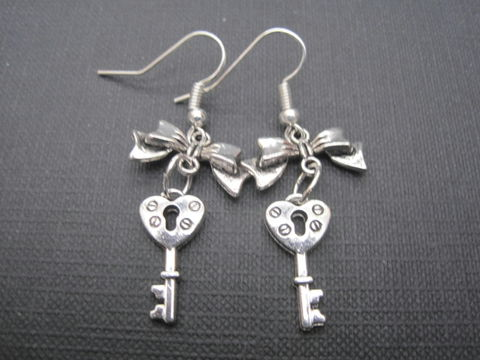 Victorian,Heart,Key,Bow,Dangle,Earrings,Victorian Heart Key Bow Dangle Earrings, antique silver, key earrings